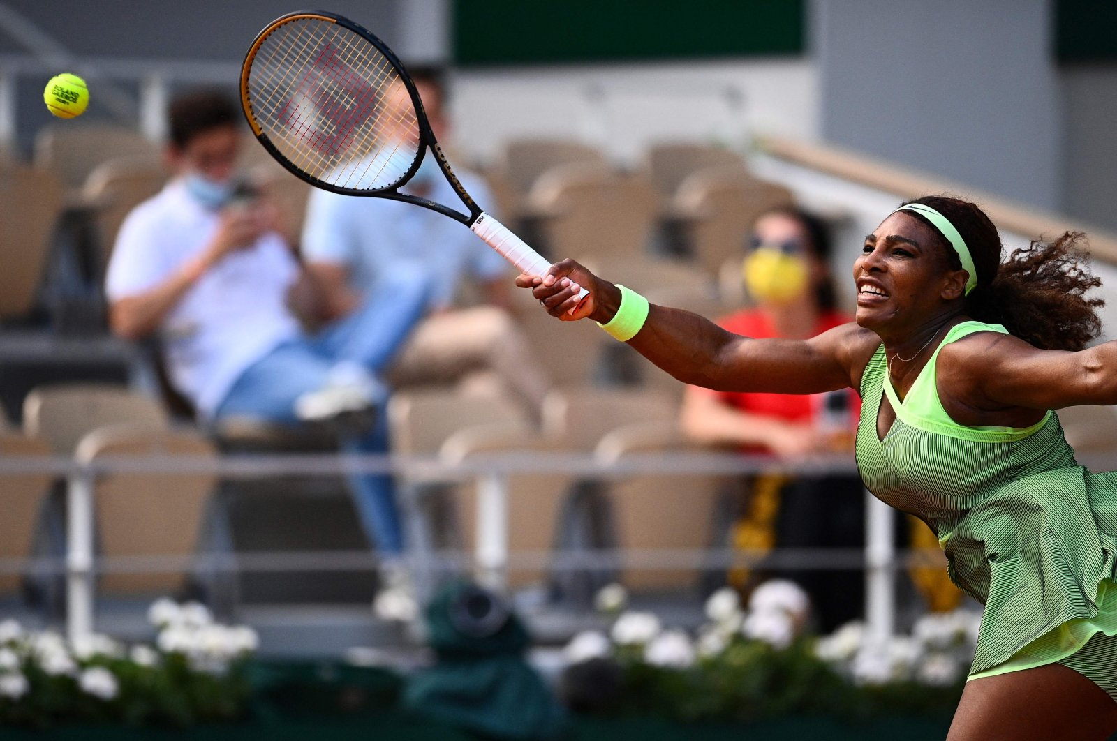 Serena Williams of the U.S. returns the ball to Kazakhstan's Elena Rybakina during their women's singles fourth round tennis match on Day 8 of The Roland Garros 2021 French Open tennis tournament in Paris, June 6, 2021. (AFP Photo)