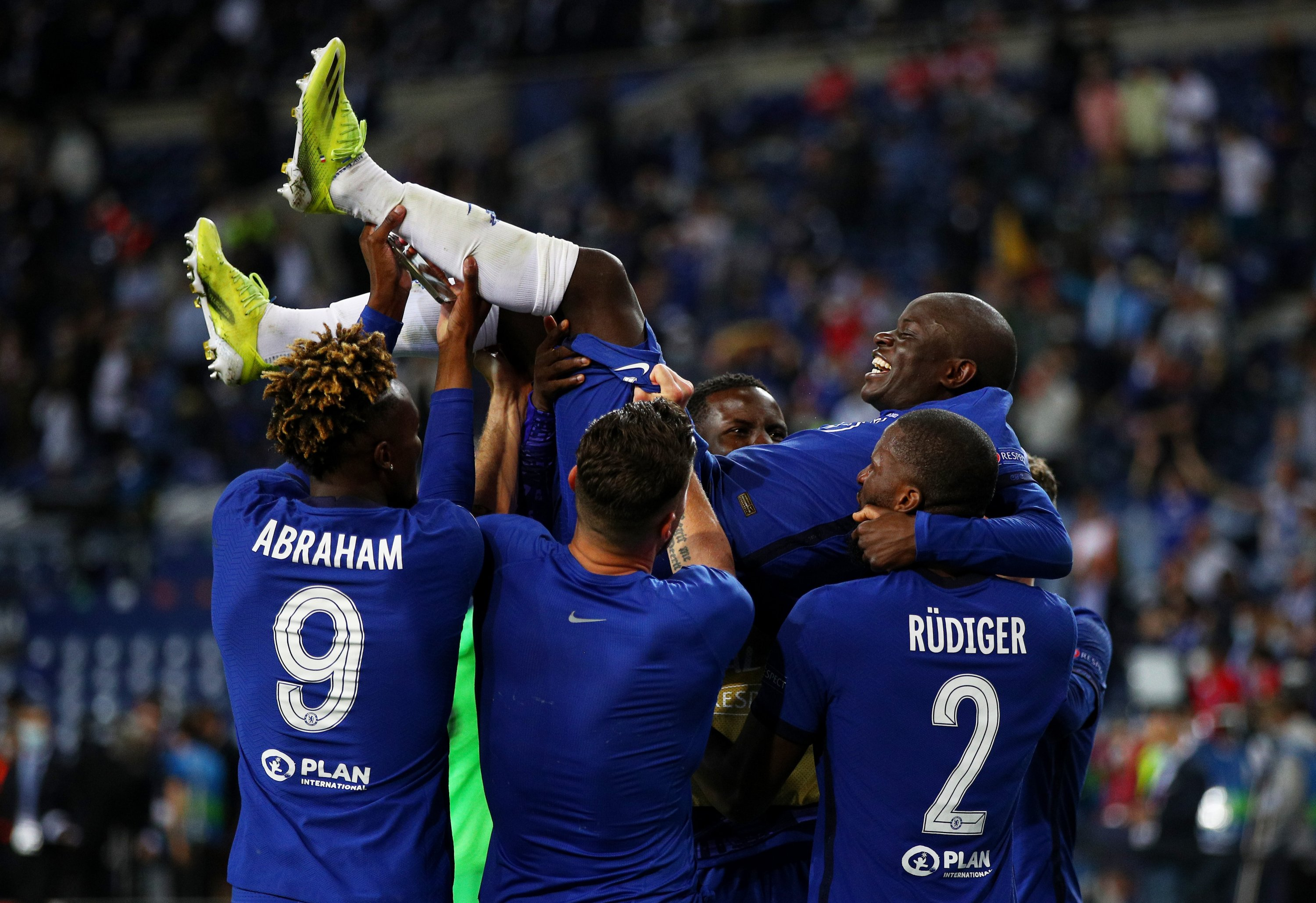 Chelsea players lift team mate N'Golo Kante of Chelsea celebrating victory in the UEFA Champions League Final between Manchester City and Chelsea FC at Estadio do Dragao, in Porto, Portugal, May 29, 2021. (Photo by Getty Images)