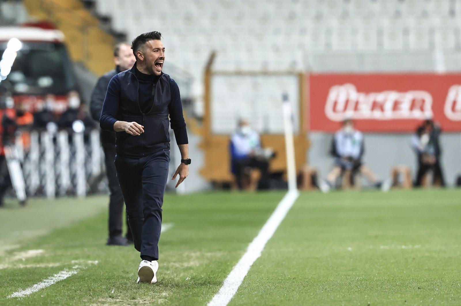 Fatih Karagümrük manager Francesco Farioli reacts during a Süper Lig match against Beşiktaş, Istanbul, Turkey, May 11, 2021. (AA Photo)