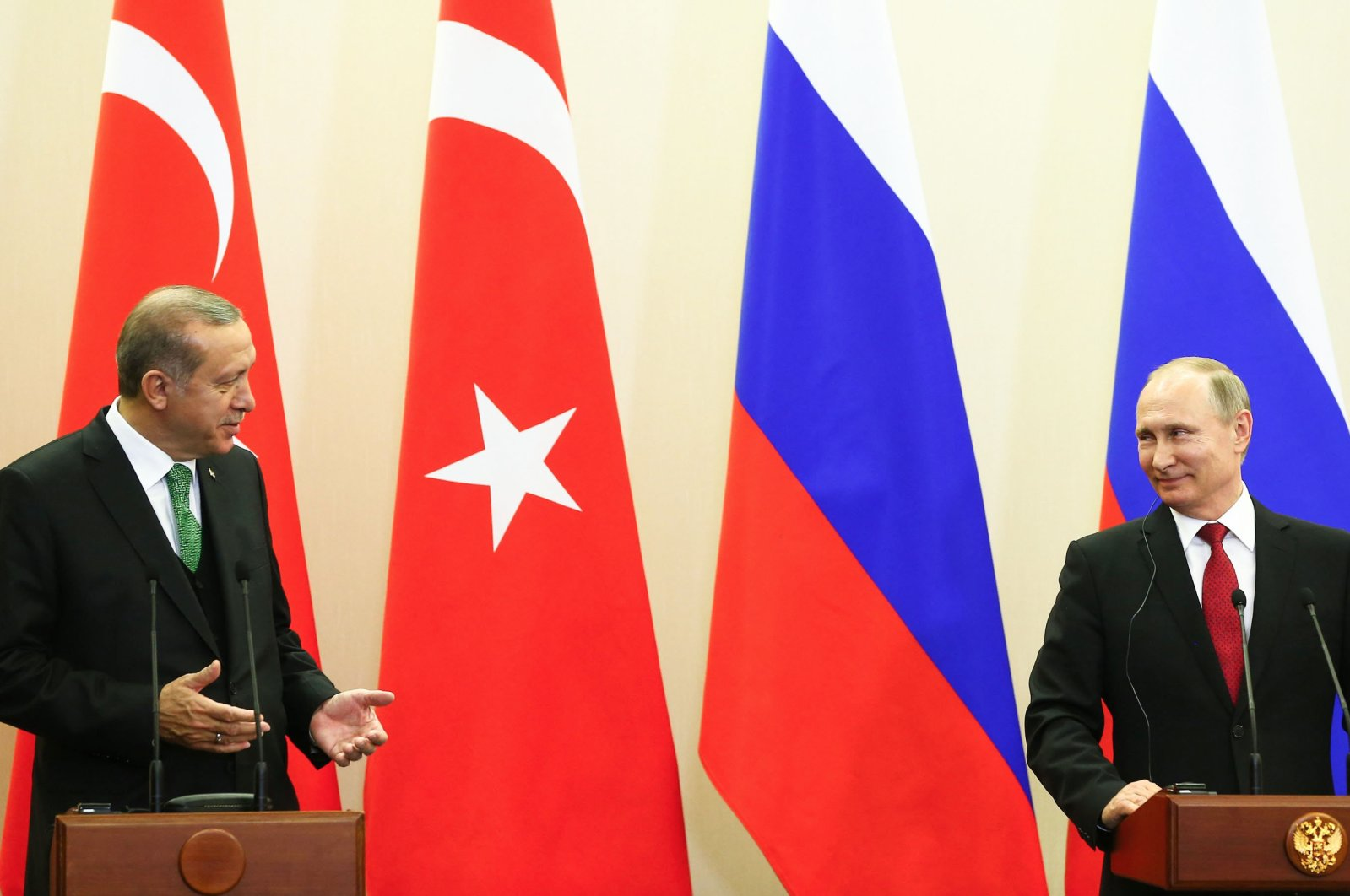 President Recep Tayyip Erdoğan (L) and Russian President Vladimir Putin speak during a joint press conference in Ankara, Turkey, May 3, 2017. (Sabah Photo)