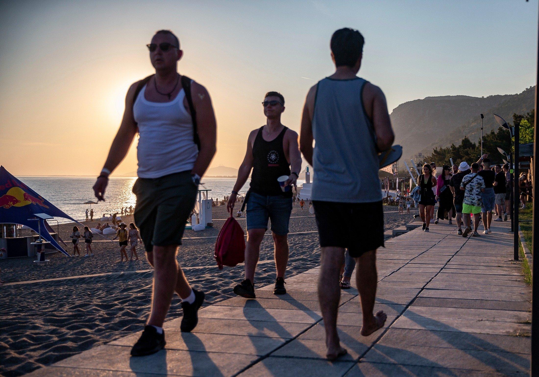 Virus-free international fans arrive at Unum Albania's open-air music festival in Shengjin, Albania, June 4, 2021. (AP Photo)