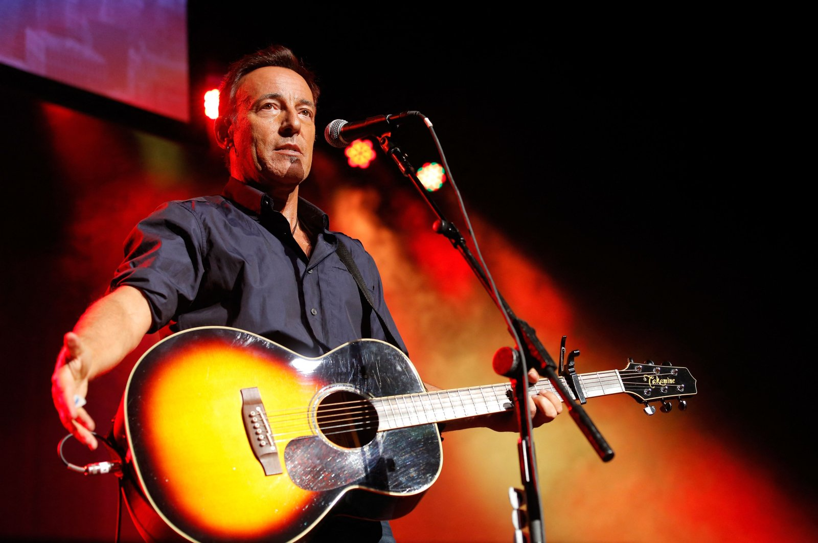"""Rock star Bruce Springsteen performs at the 7th annual """"Stand Up For Heroes"""" event at Madison Square Garden in New York City, U.S., Nov. 6, 2013. (AFP Photo)"""