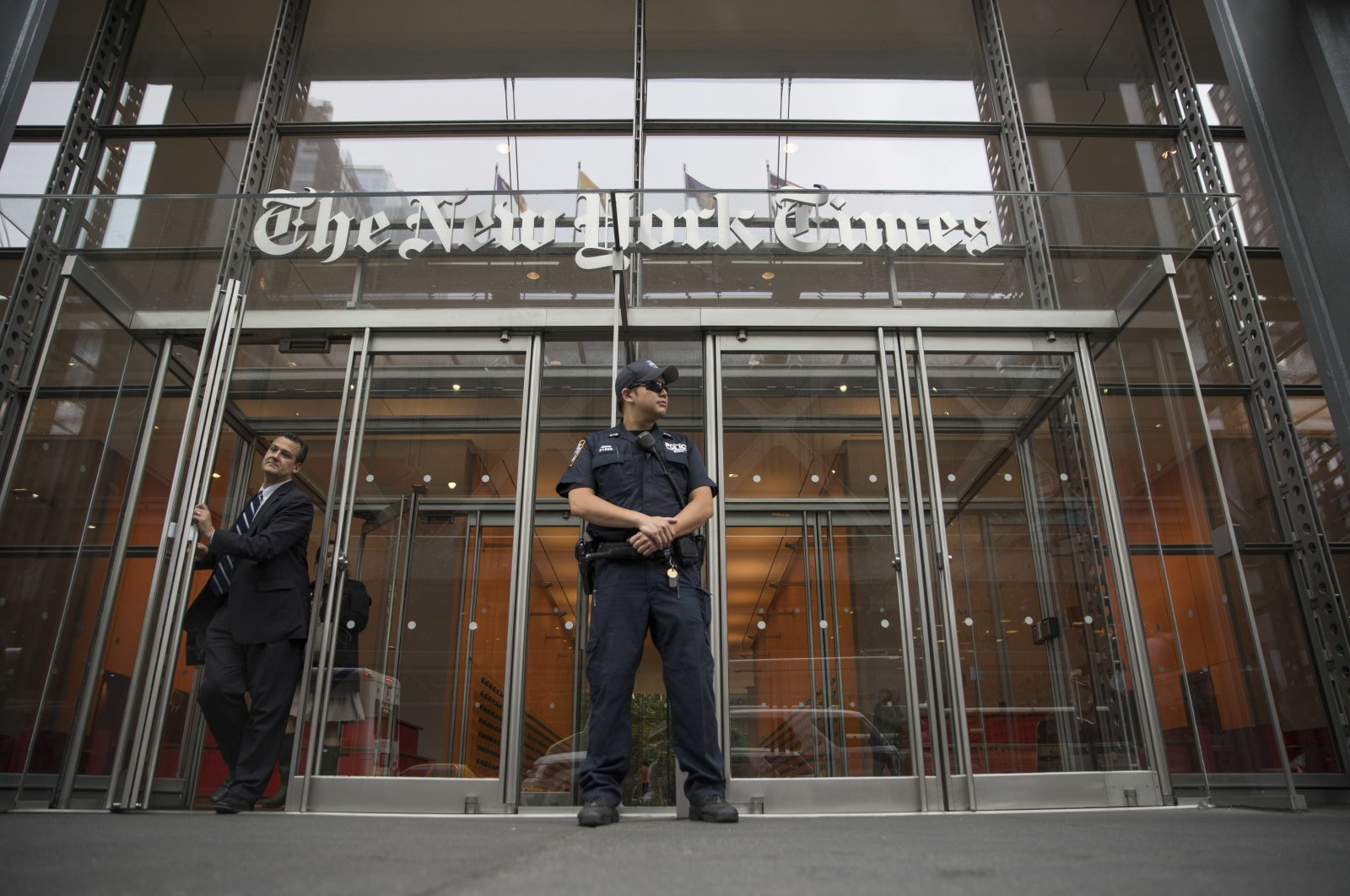 A police officer stands outside The New York Times building in New York, Wednesday, June 2, 2021, the U.S. (AP / Mary Altaffer)