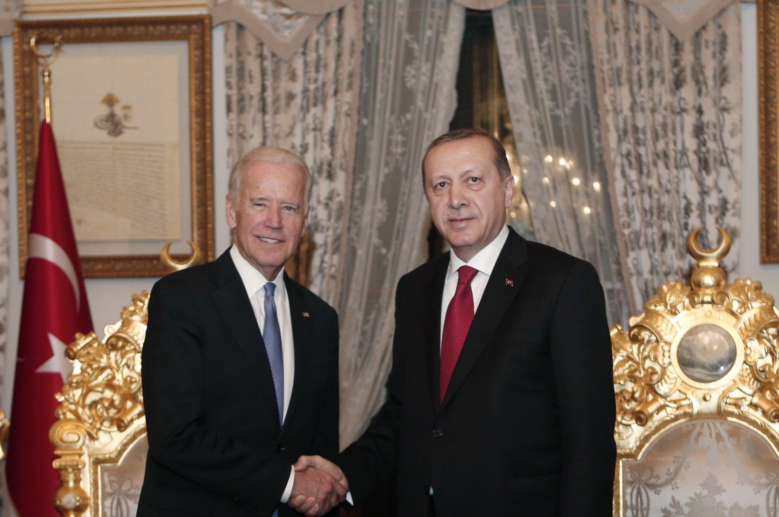 U.S. then-Vice President Joe Biden (L) poses with President Recep Tayyip Erdoğan (R) after a meeting in Istanbul, Turkey, Jan. 23, 2016. (EPA Photo)