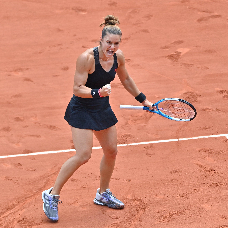 Greece's Maria Sakkari celebrates winning against Poland's Iga Swiatek in the women's French Open quarterfinal, Paris, France, June 9, 2021. (AA Photo)