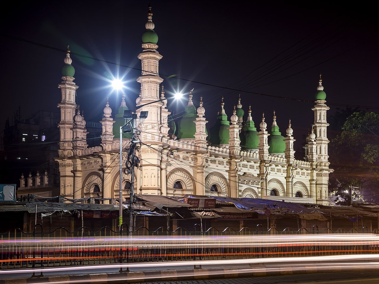 A view from Tipu Sultan Shahi Mosque of Kolkata in India. (Wikipedi Photo)