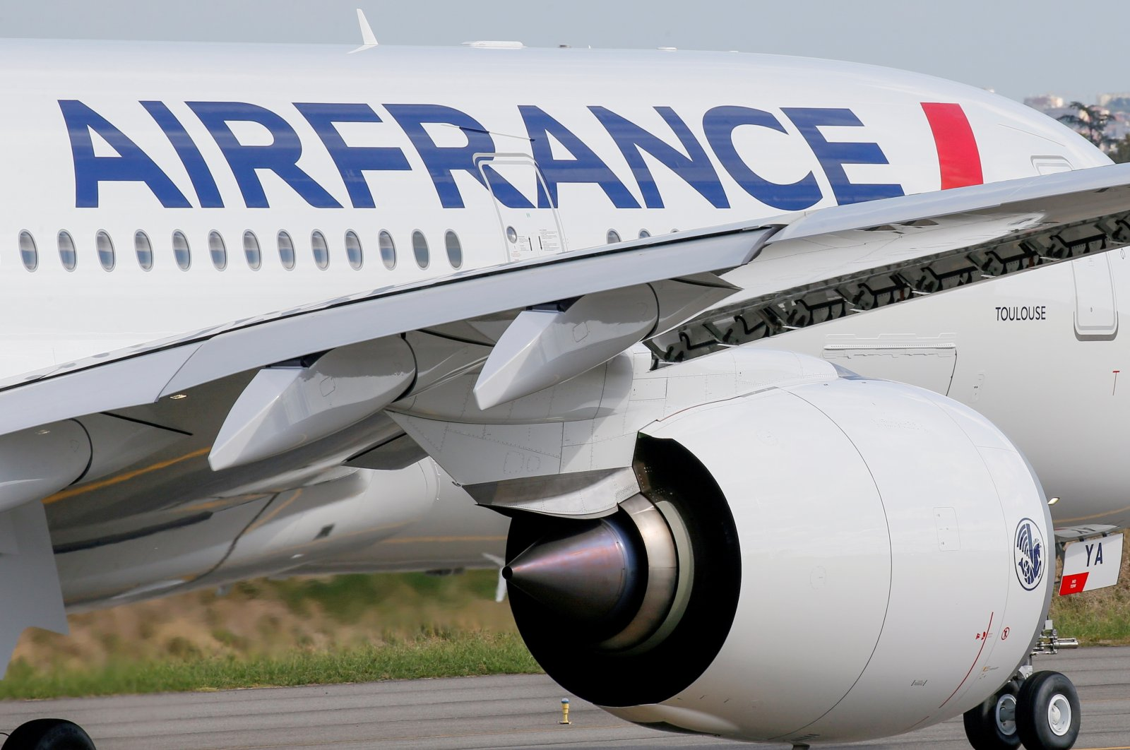 The first Air France Airbus A350 prepares to take off after a ceremony at the aircraft builder's headquarters in Colomiers near Toulouse, France, Sept. 27, 2019. (Reuters Photo)
