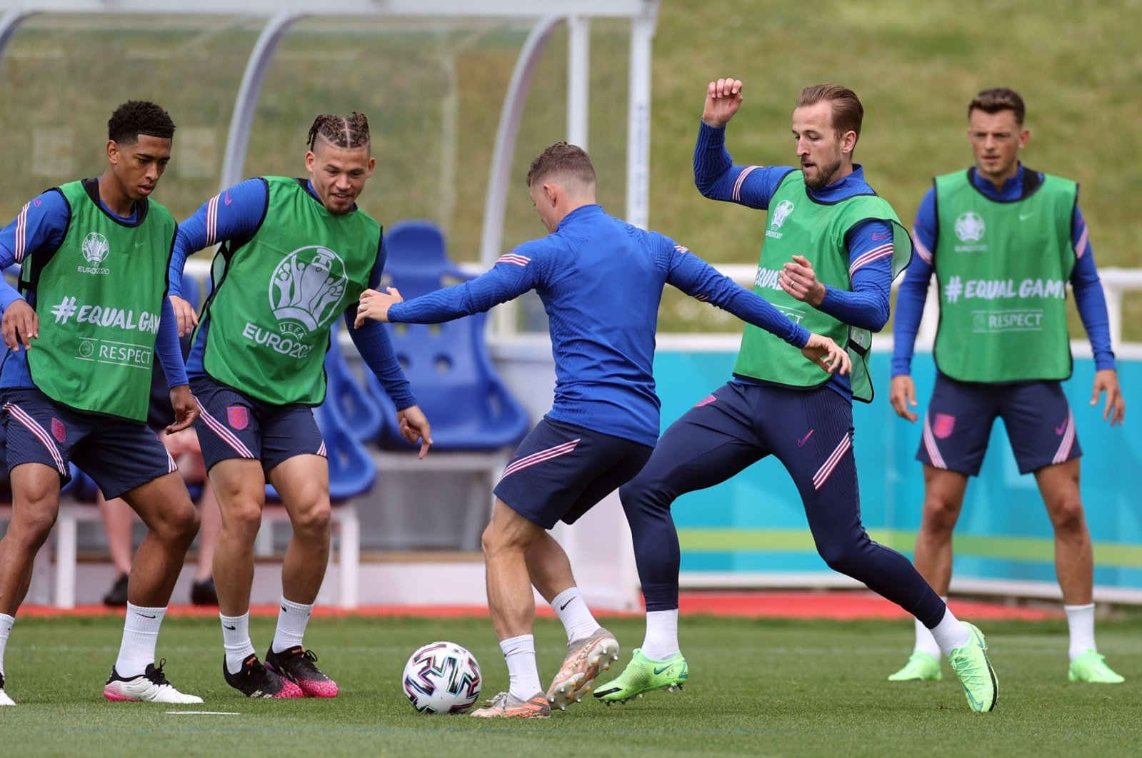 England's Harry Kane (2nd R) with teammates attend a training session at St. George's Park, Burton upon Trent, England, June 12, 2021. (Reuters Photo)