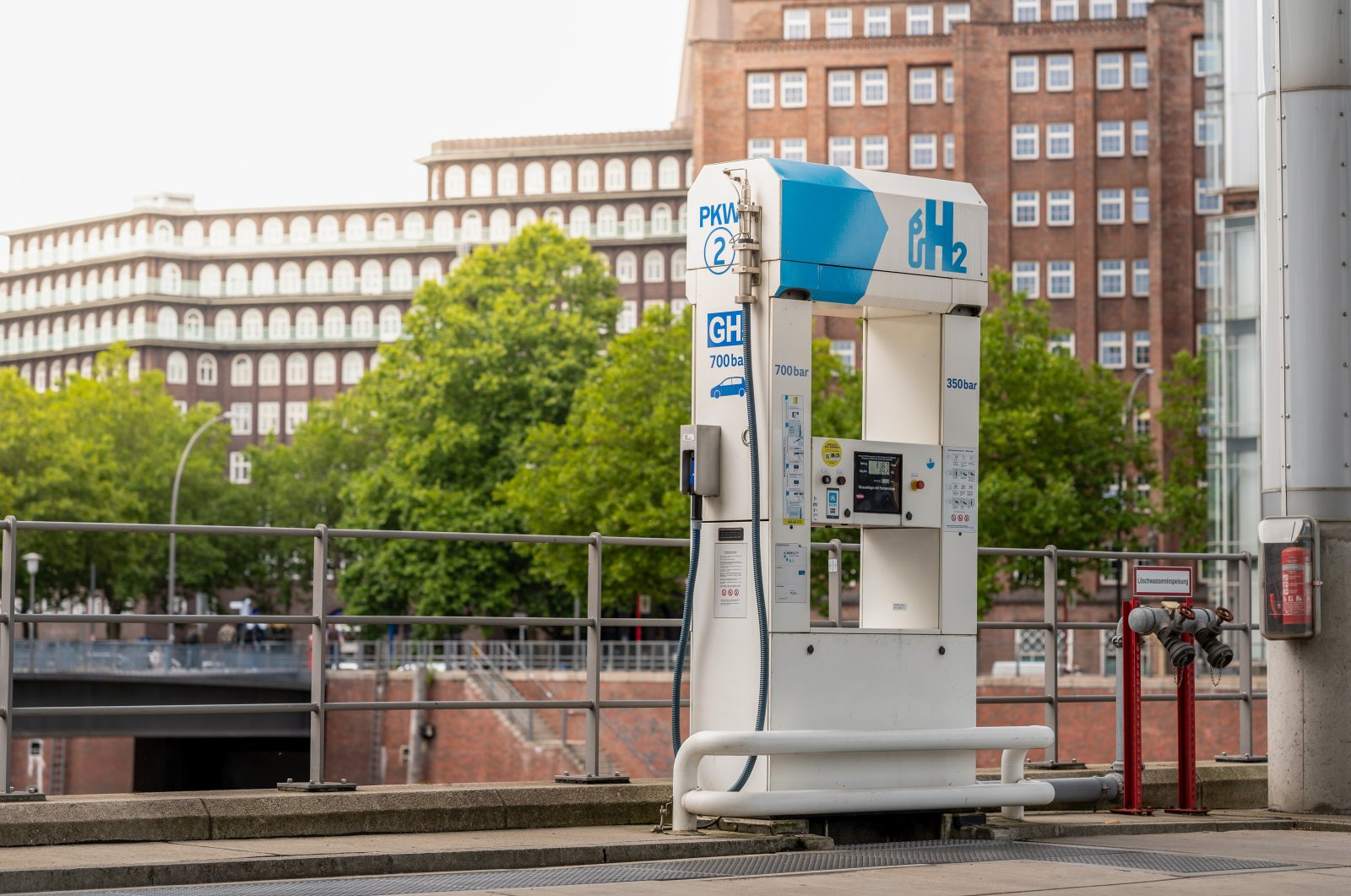 A hydrogen filling station is seen in Hamburg, Germany in this undated photo. (Shutterstock Photo)