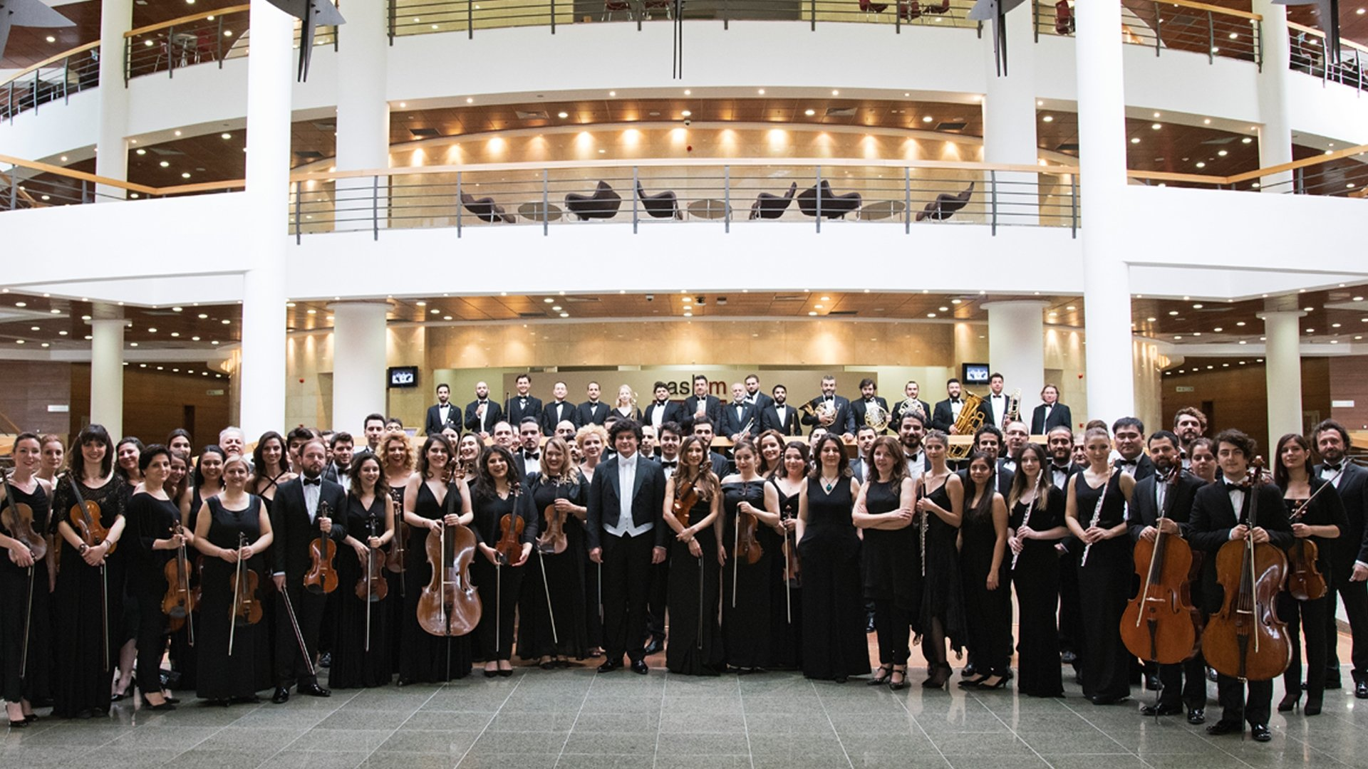The 49th Istanbul Music Festival will kick off with the opening concert of Tekfen Philharmonic Orchestra. (Courtesy of IKSV)