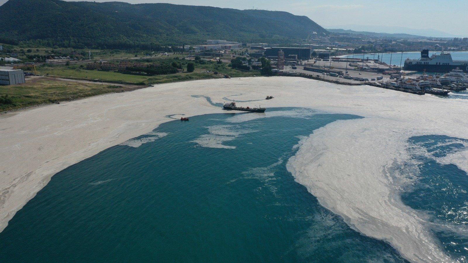 Aerial view of marine mucilage in Yalova, northwestern Turkey, June 12, 2021. Scientists say Çınarcık Basin near Yalova is home to another danger caused by hydrogen sulfide. (DHA PHOTO)