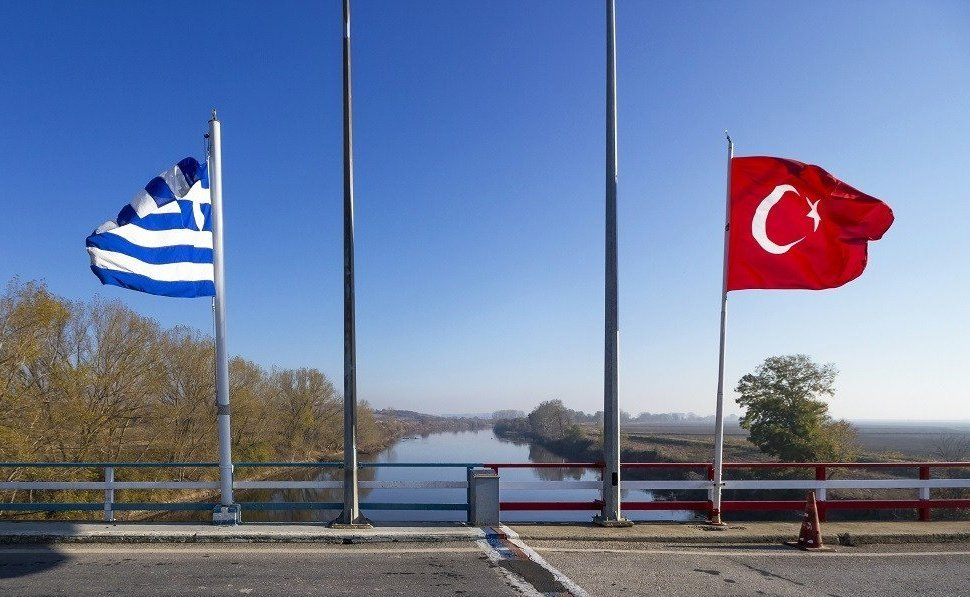 Turkish and Greek flags photographed near the Maritsa (Meriç) River in this undated file photo. (AA Photo)