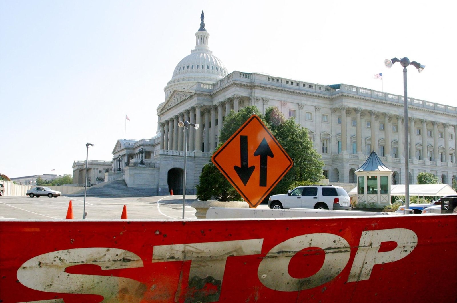 A metal barrier protects the U.S. Capitol in Washington, D.C., U.S., Sept. 3, 2002. (AFP File Photo)
