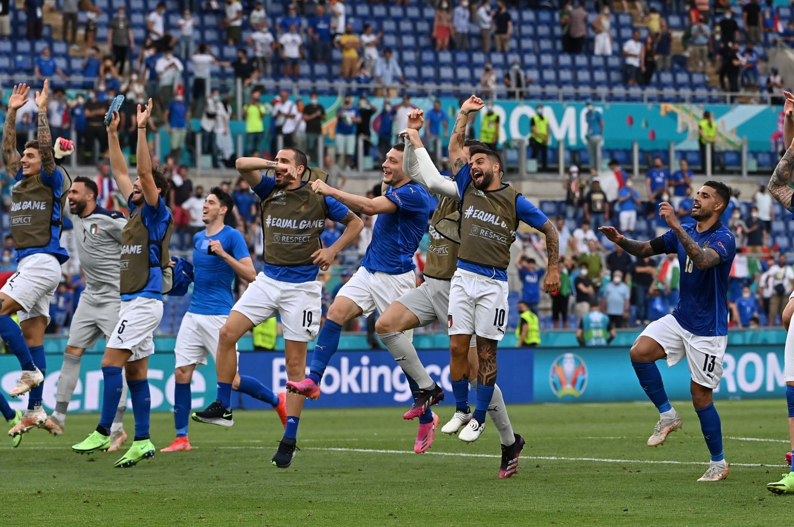 Italy celebrate with fans after the match against Wales in Stadio Olimpico, Rome, Italy, June 20, 2021. (Reuters Photo)