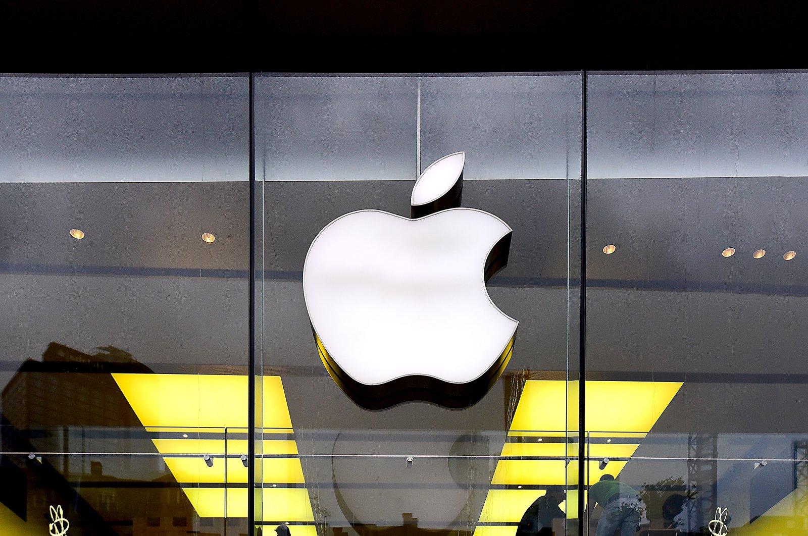 Apple logo seen on the company's store in Frankfurt, Germany, May 8, 2017. (Shutterstock Photo)