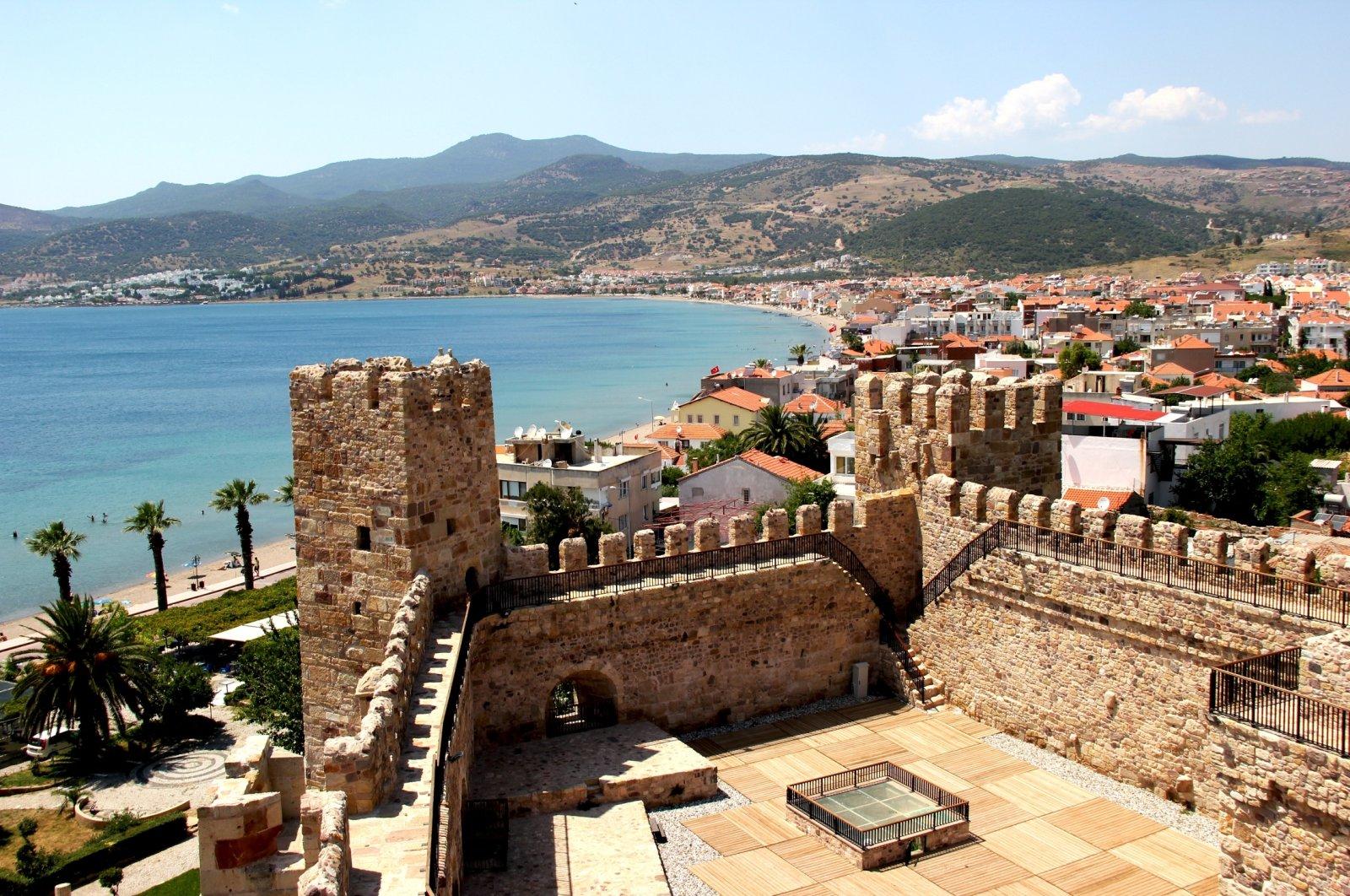 Çandarlı Castle still stands today in all its glory in Izmir.