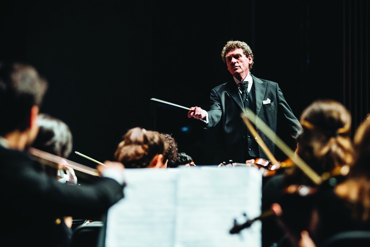 Cem Mansur prepared the themes for the Cemal Reşit Rey (CRR) Symphony Orchestra's concert series.