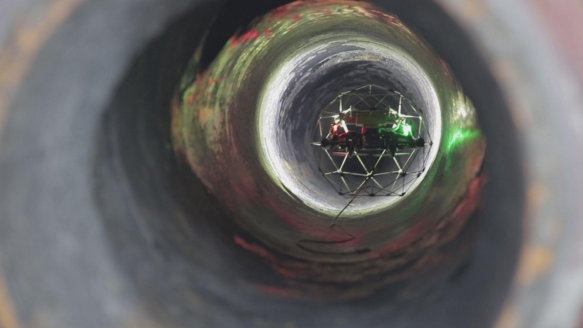 A robot is seen within a storage tank at Turkish refinery giant Tüpraş's Izmit facility. (Courtesy of Tüpraş)