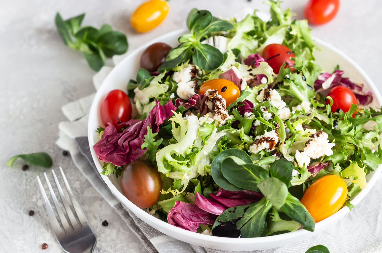 A fresh seasonal salad makes for a perfect side dish. But why not make it your main dish and cut down on time in the kitchen altogether? (Shutterstock Photo)