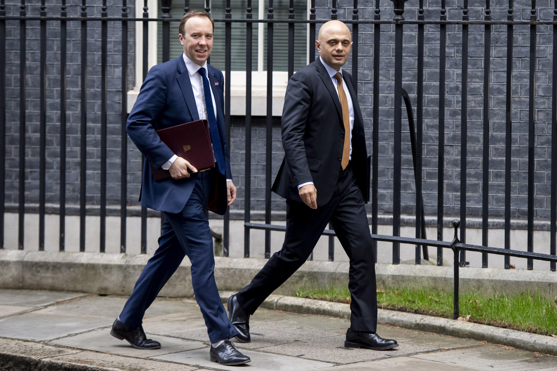 Großbritanniens erster muslimischer Gesundheitsminister ersetzt den in Ungnade gefallenen Hancock.