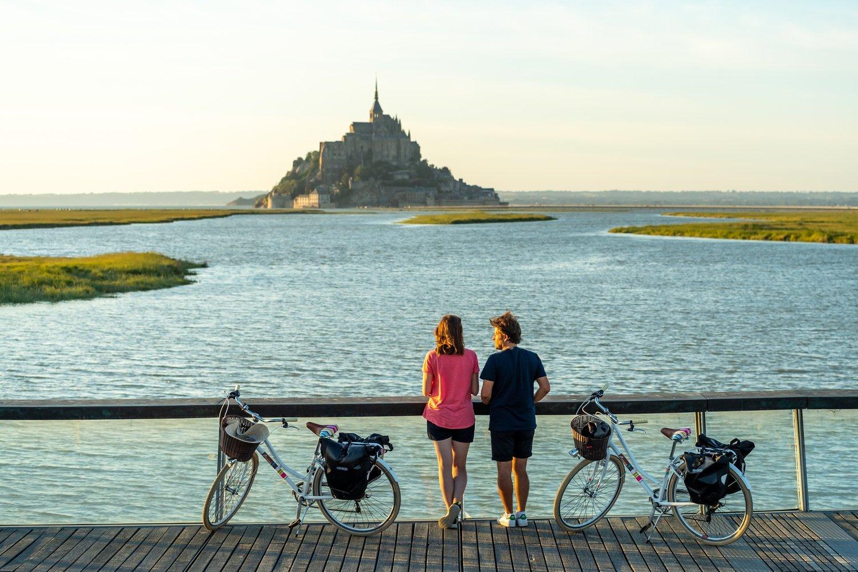 The new Velomaritime bike path along France's northern coast offers plenty of impressive landscapes that are worth taking a short break. (Emmanuel Berthier - EV4 via dpa)