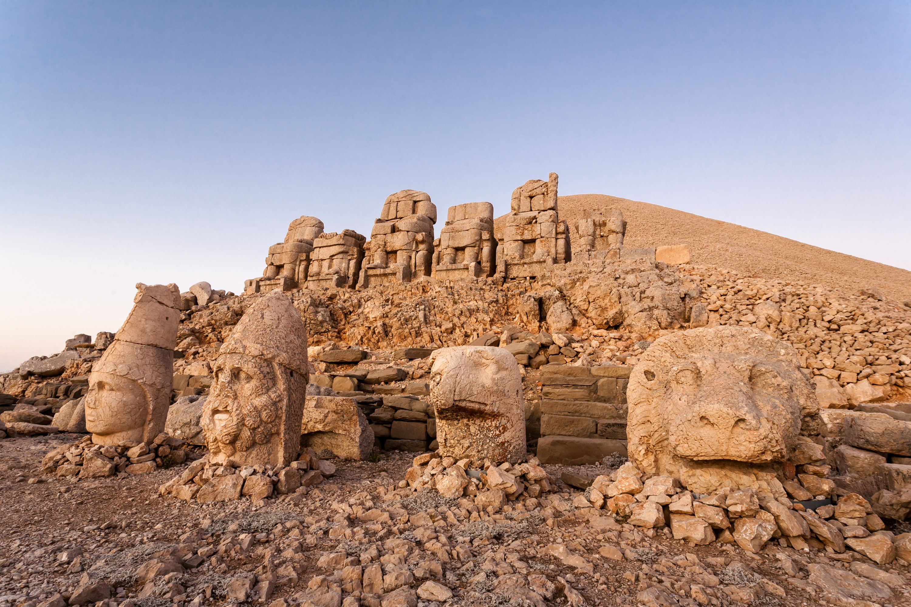 Toppled heads of the ancient gods seen in this undated file photo at the UNESCO World Heritage Site at Mount Nemrut, Adıyaman, southeastern Turkey. (Shutterstock Photo)