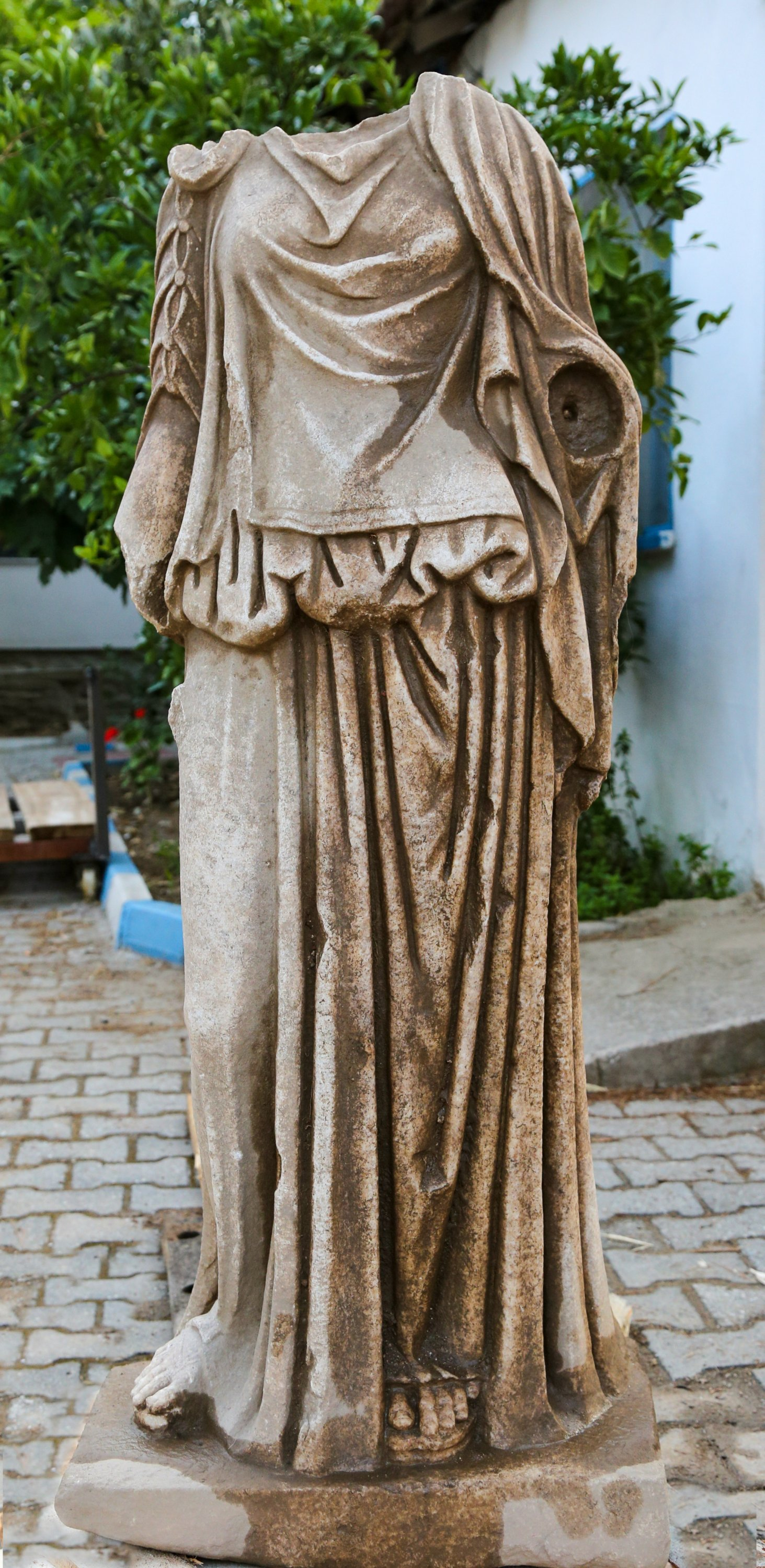 The statue of a woman found in the ancient city of Metropolis, Izmir, western Turkey, June 28, 2021. (AA Photo)