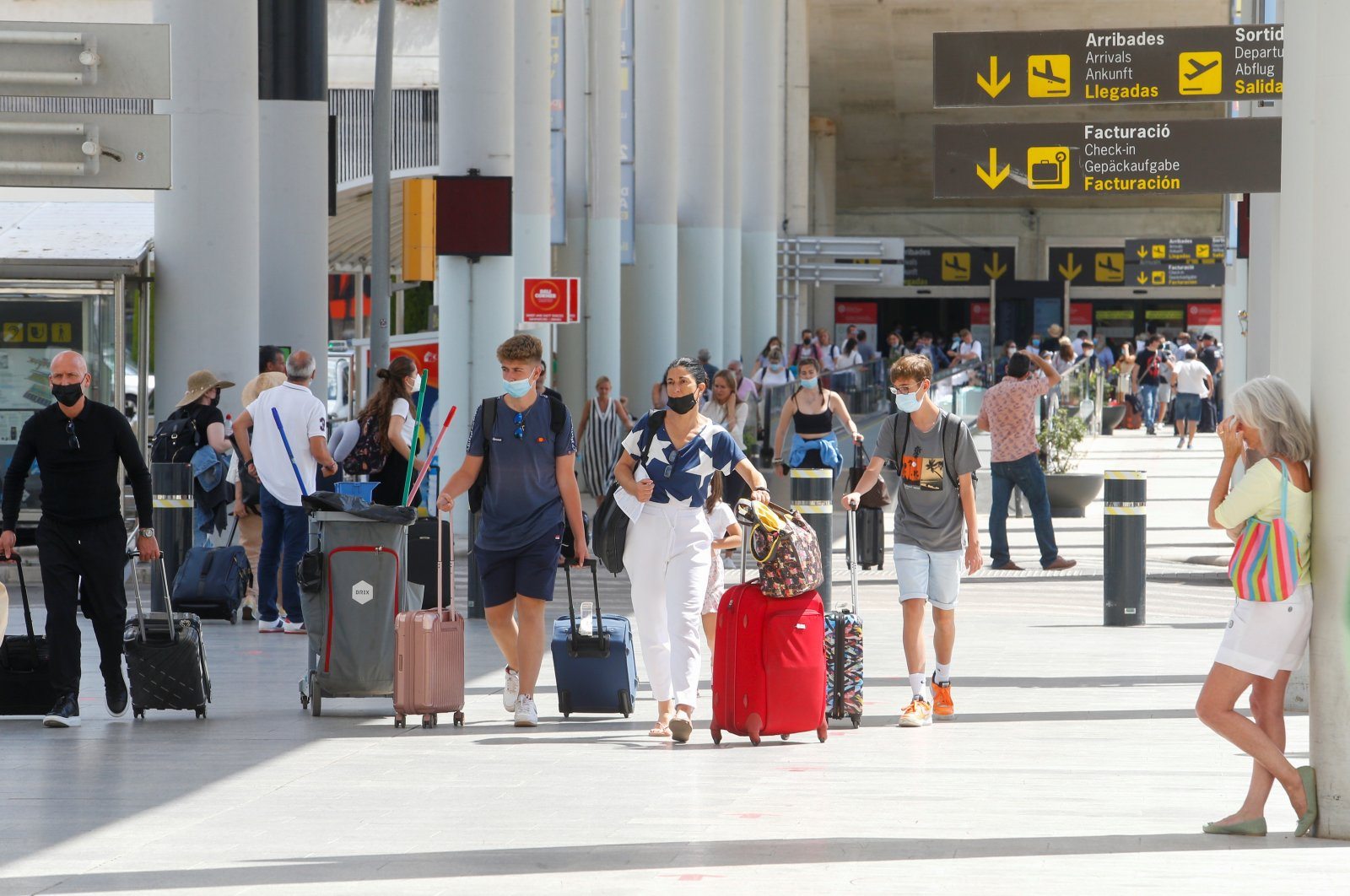 Tourists from Britain arrive at Palma de Mallorca Airport in Palma de Mallorca, Spain, June 30, 2021. (Reuters Photo)