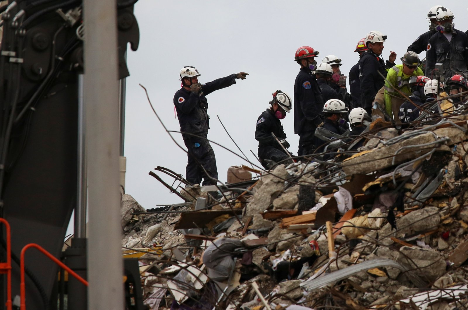 Rescue personnel continue the search and rescue operation for survivors at the site of a partially collapsed residential building in Surfside, near Miami Beach, Florida, U.S. June 30, 2021. (Reuters Photo)