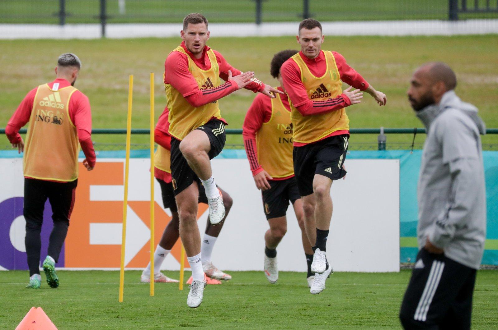 Belgium defenders Jan Vertonghen (L) and Thomas Vermaelen attend a training session in Tubize, Belgium, June 30, 2021. (EPA Photo)