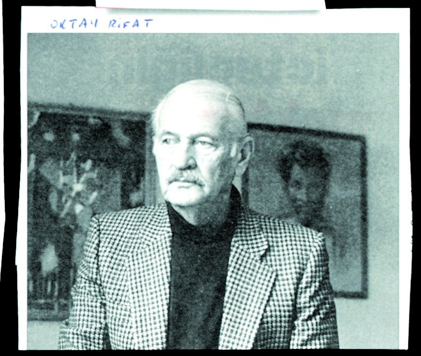 Oktay Rifat changed his style to socialist realism following his work with the Garip movement. (Archive Photo)