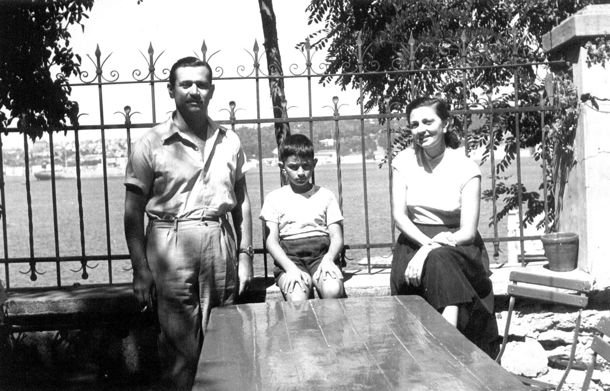 An old photo shows Oktay Rifat with his wife Sabiha Hanım and their son Samih. (Archive Photo)