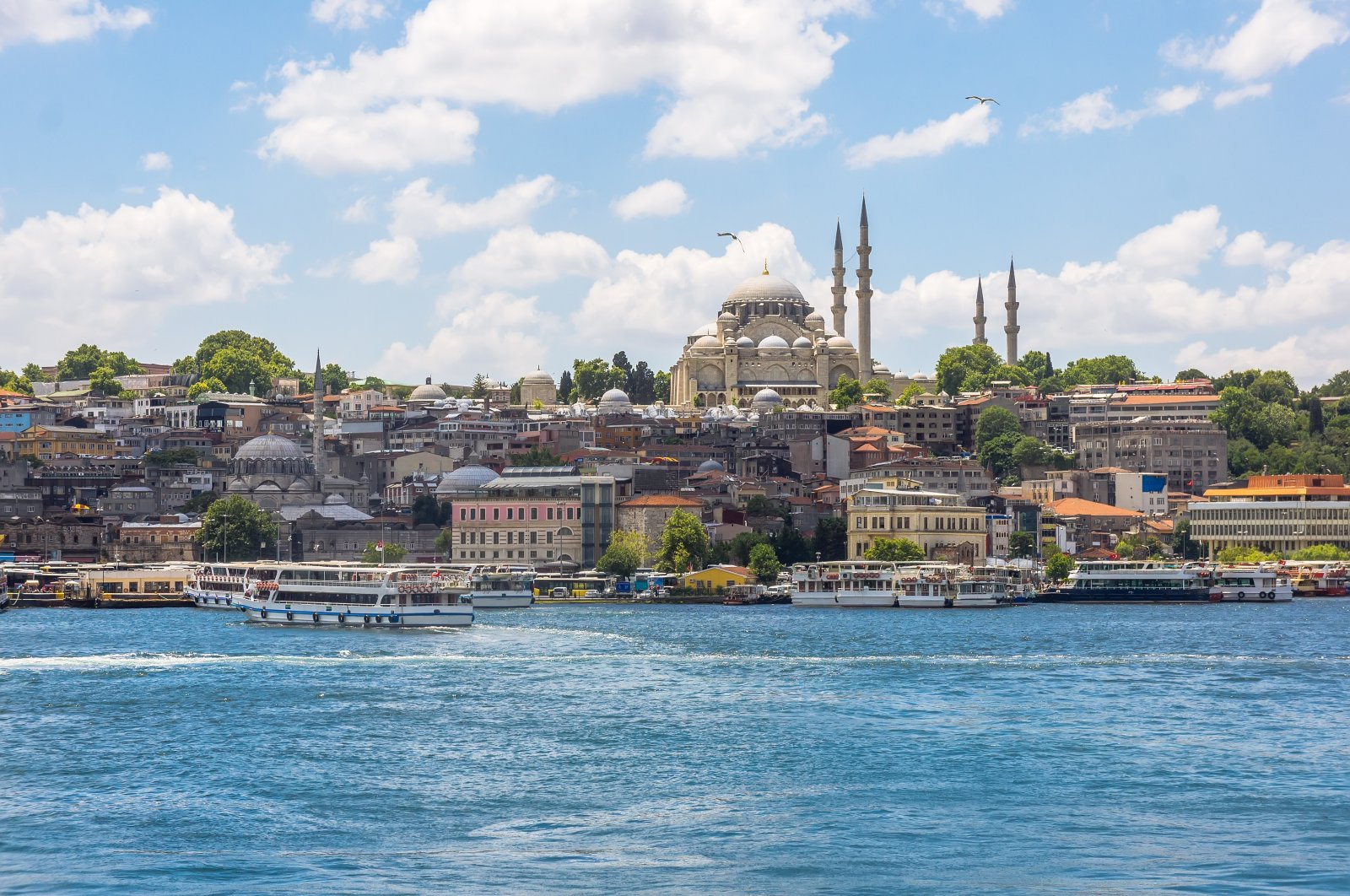 The seafront landscape of Istanbul's historic peninsula. (Shutterstock Photo)