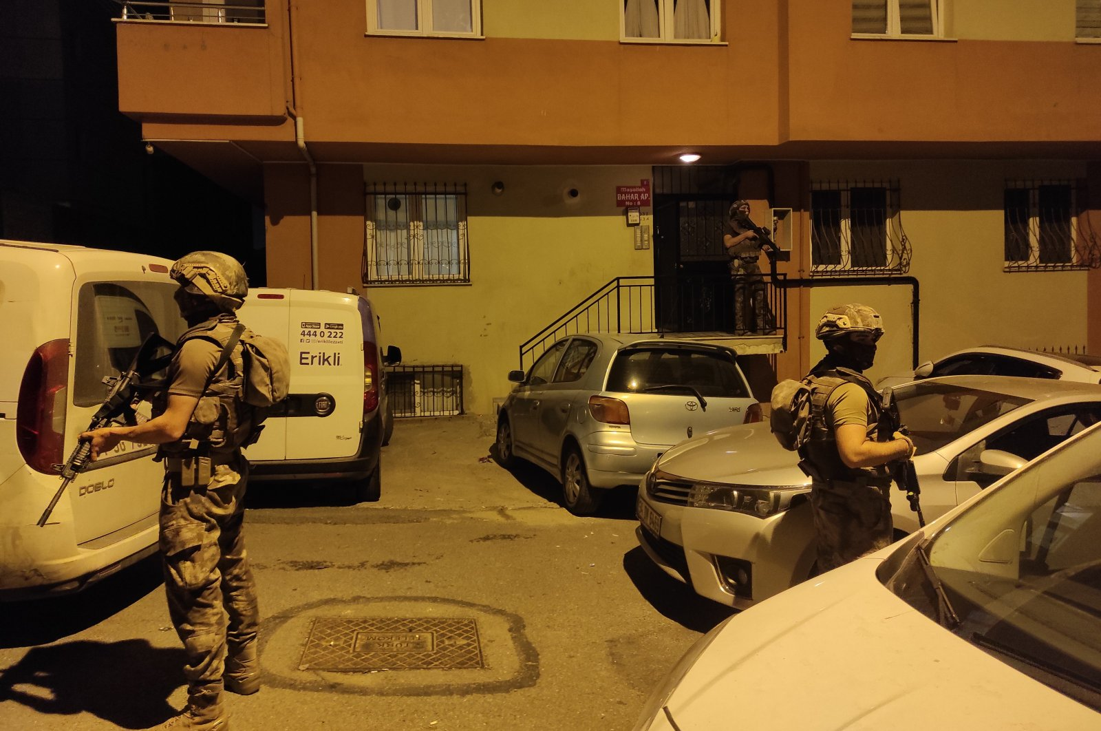 Security forces conduct a raid against Daesh suspects in Istanbul, Turkey, July 2, 2021. (AA Photo)