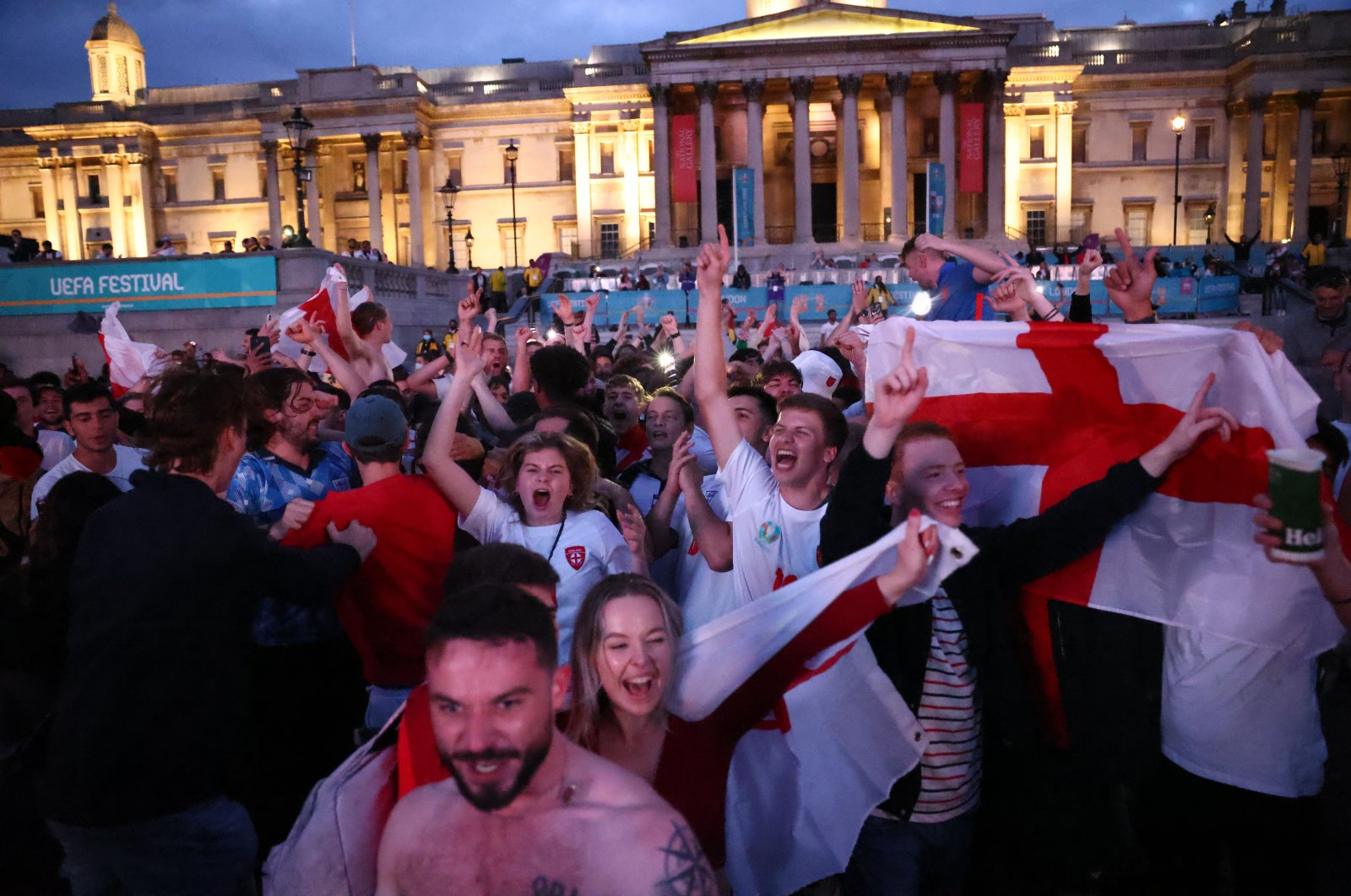 Fans gather in London ahead of Ukraine v England, London, Britain, July 3, 2021 (Reuters Photo)
