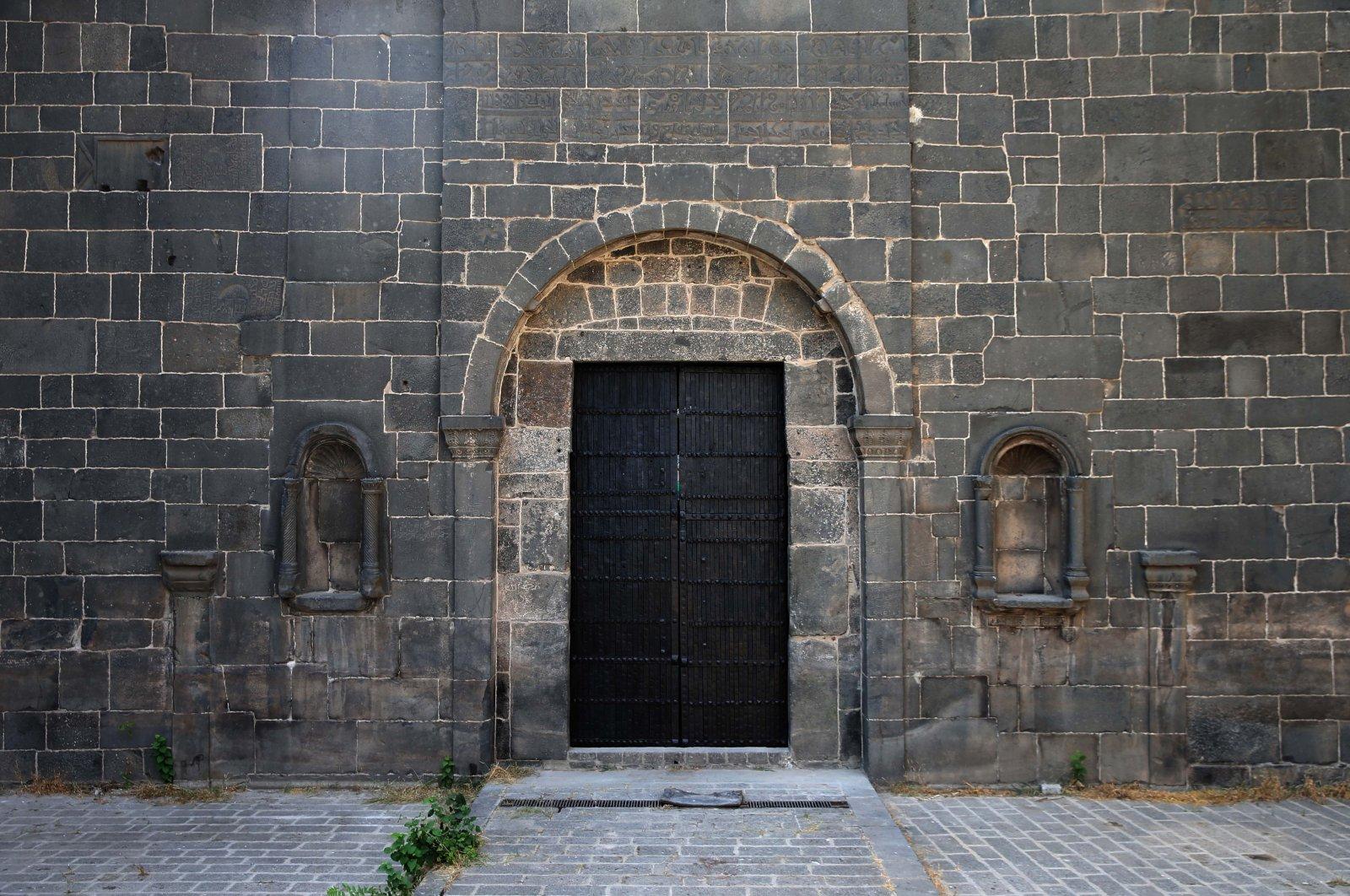 The Dağkapı (mountain gate) in the historical city walls of Diyarbakır, Turkey, July 2, 2021. (AA Photo)