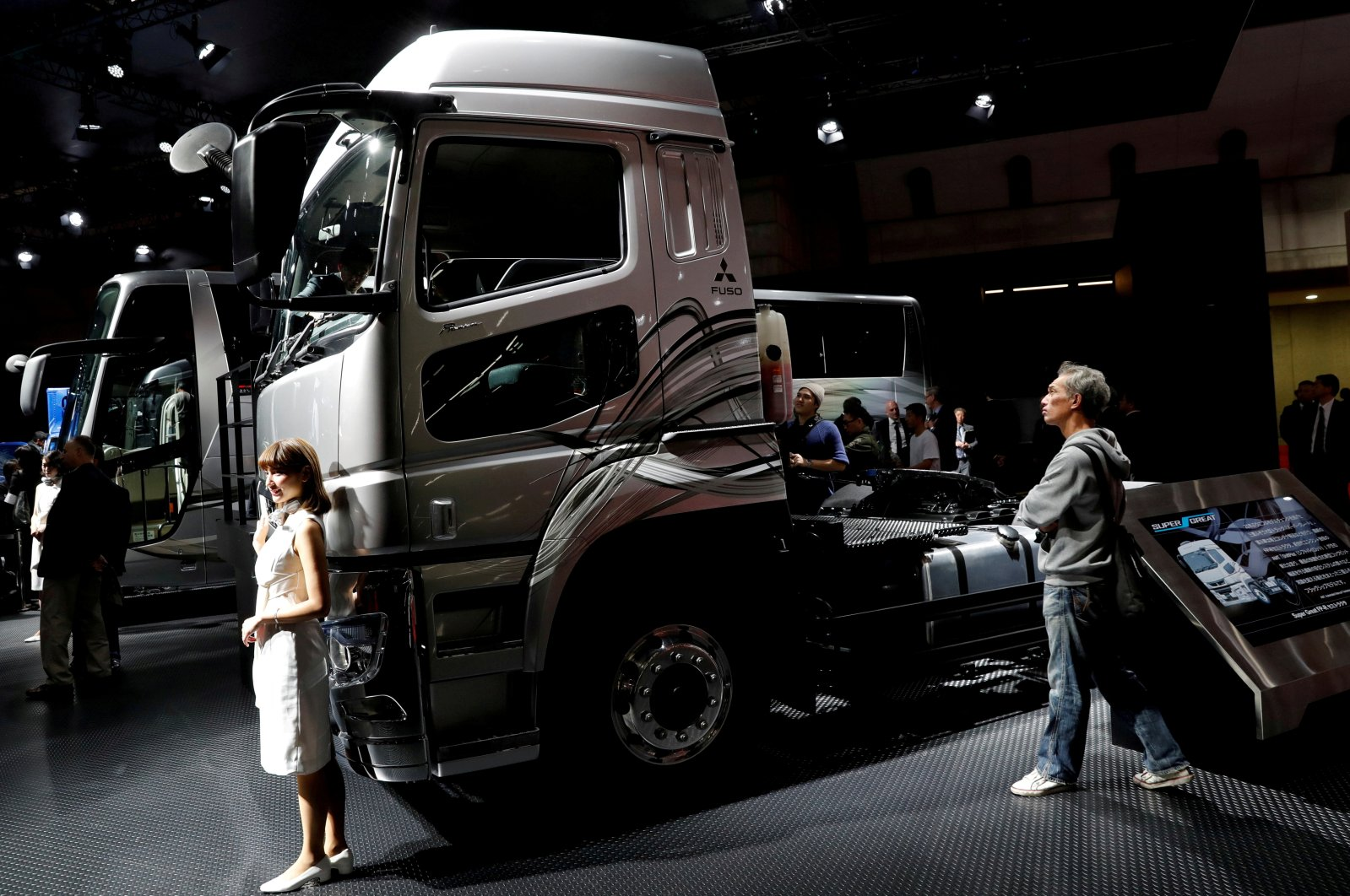 Daimler AG's FUSO Super Great truck is pictured at the 45th Tokyo Motor Show in Tokyo, Japan, Oct. 27, 2017. (Reuters Photo)