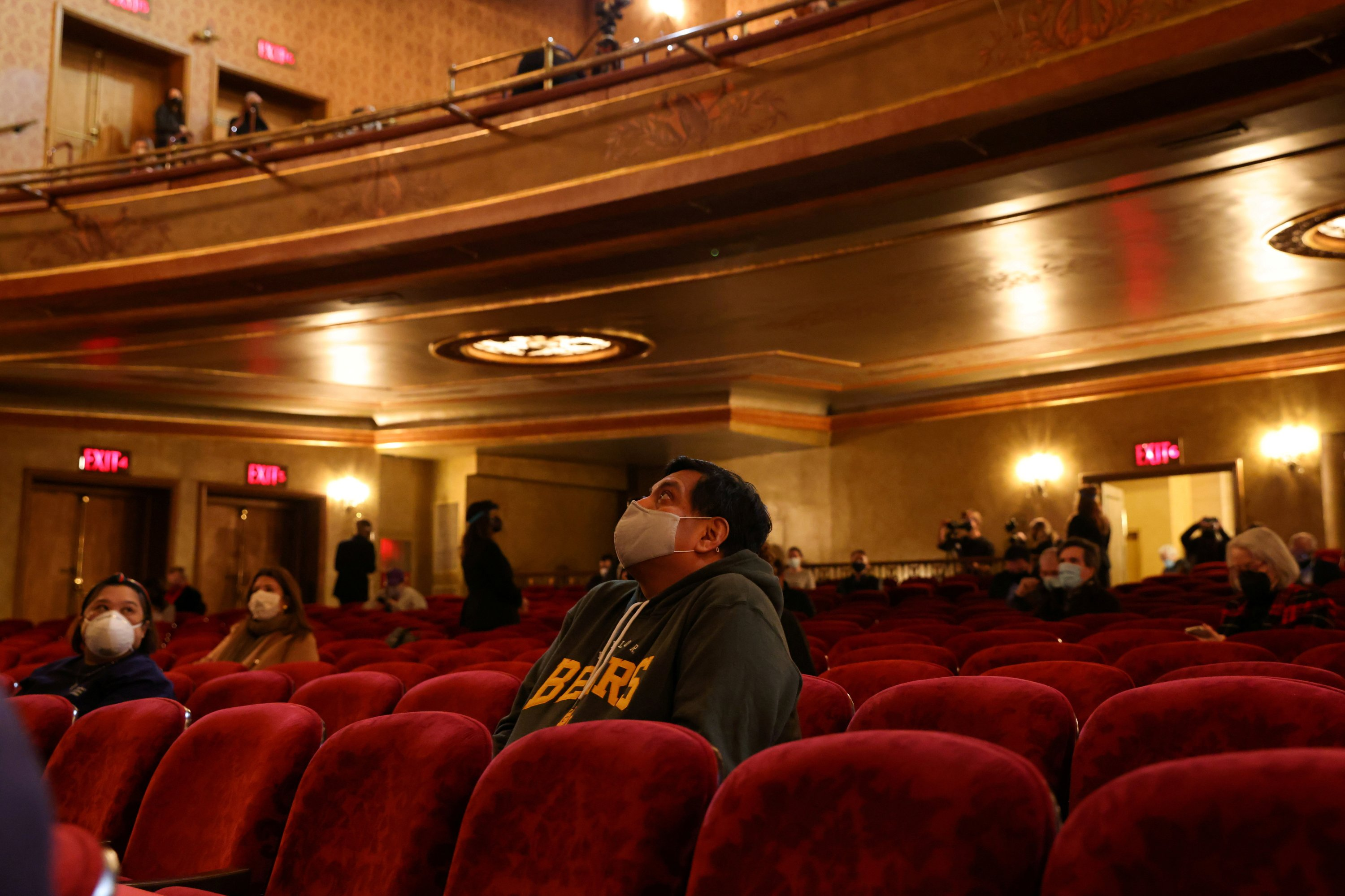 Audience members wait at the Saint James Theater for Broadway's first performance since shutting down for COVID-19 in New York City, U.S., April 3, 2021. (Reuters Photo)