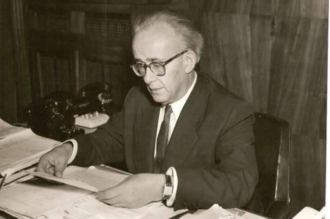 Tevfik Ileri photographed while working. (Wikipedia Photo)