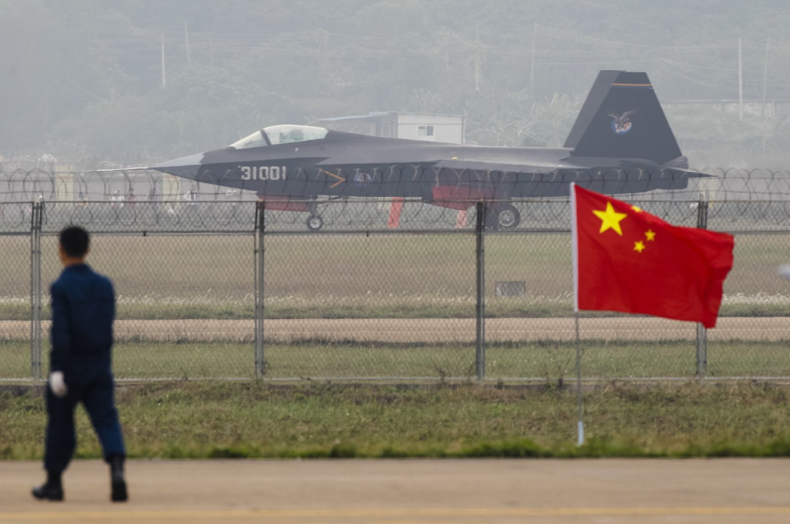 A Chinese stealth fighter jet J-31, at its first public showing at Airshow China 2014, in Zhuhai, Guangdong province, China, Nov. 11, 2014. (Shutterstock Photo)