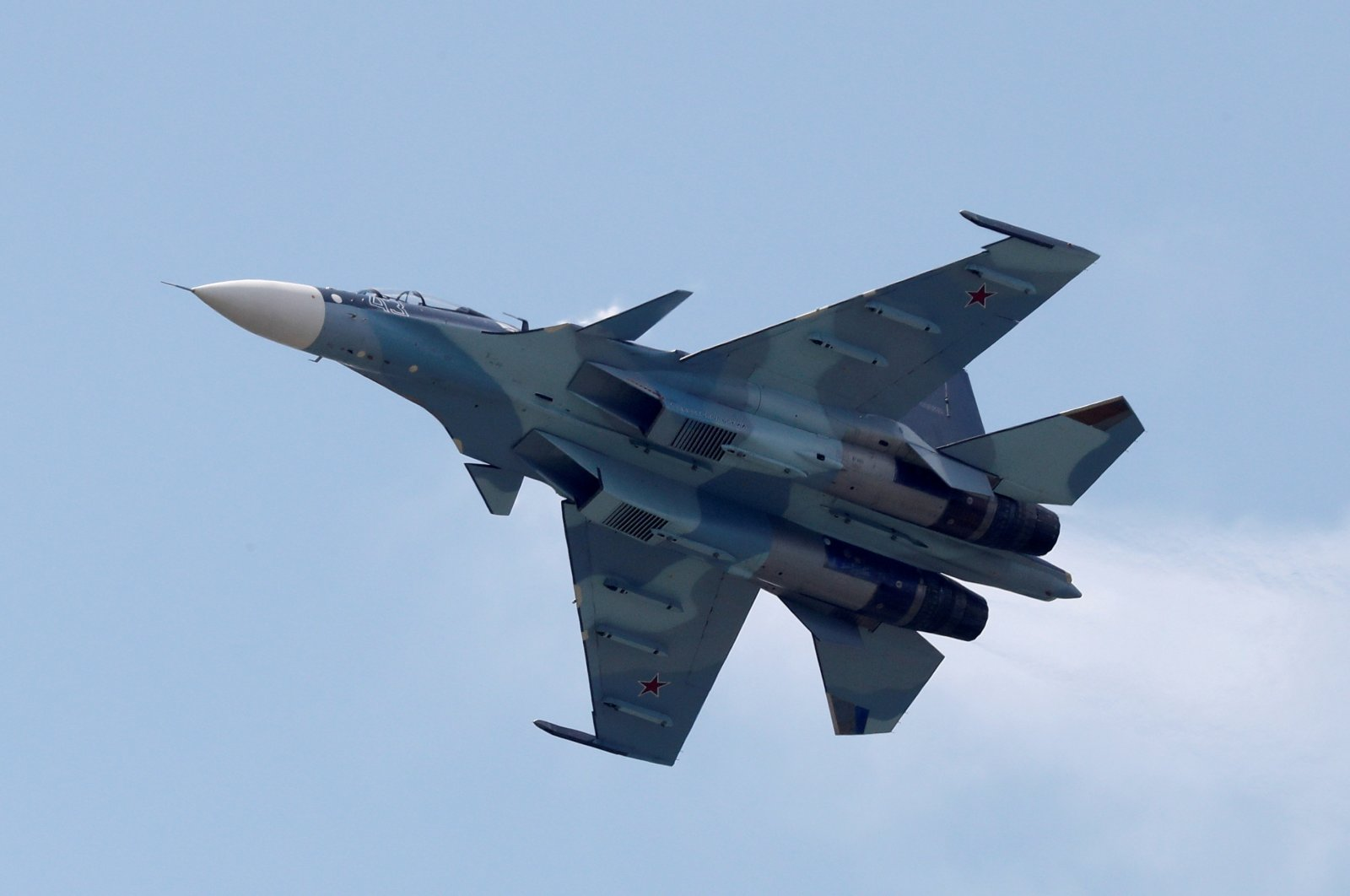 A Sukhoi Su-30SM jet fighter performs during a demonstration flight at the MAKS 2017 air show in Zhukovsky, outside Moscow, Russia, July 21, 2017. (Reuters Photo)