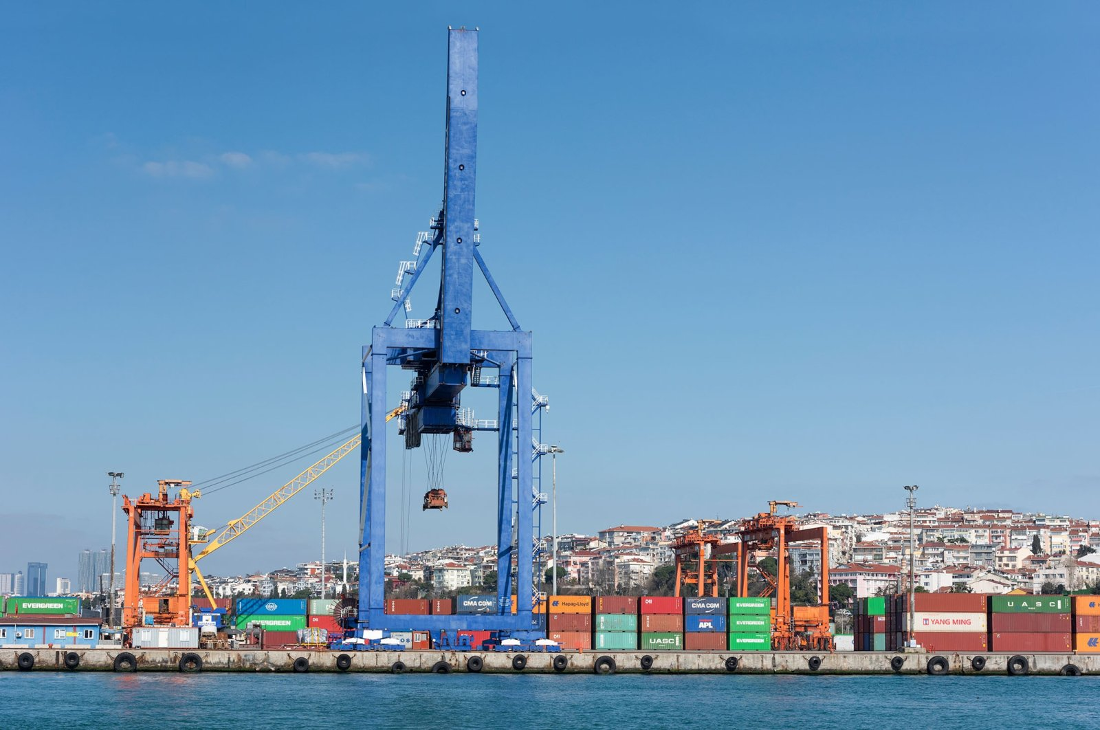 A container terminal at the port of Haydarpaşa in Kadıköy, Istanbul, Turkey, April 22, 2021. (Shutterstock Photo)