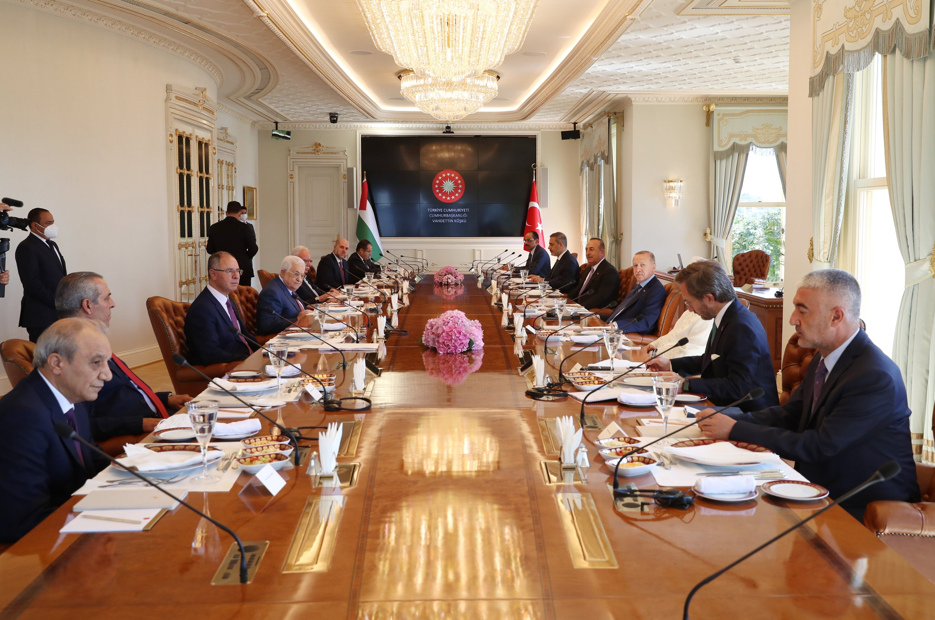 Turkish delegation led by President Recep Tayyip Erdoğan (3rd R) and the Palestinian delegation headed by President Mahmoud Abbas (4th L) meet for talks in Istanbul, July 10, 2021. (Turkish Presidency via AA)