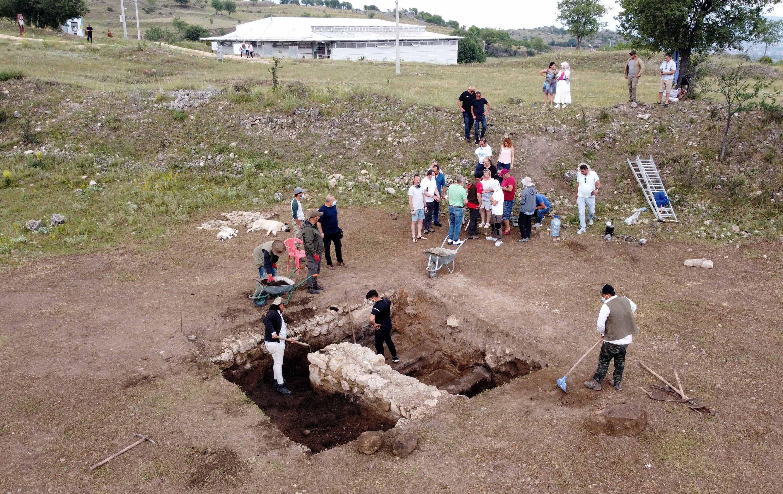 Archaeologists work in the ancient city of Hadrianopolis, Karabük, Turkey, July 11, 2021. (AA Photo)