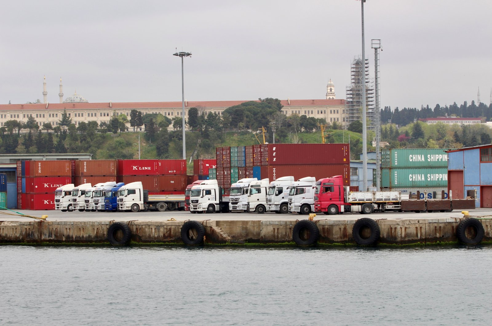Trucks and shipping containers are pictured at Haydarpaşa Port in Istanbul, Turkey, April 18, 2018. (Reuters Photo)