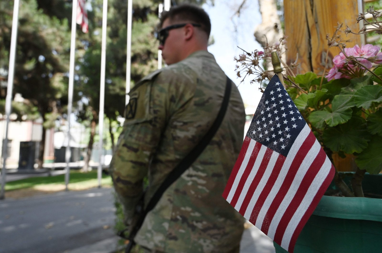A U.S. military personnel stands guard after an official handover ceremony at the Resolute Support headquarters in the Green Zone in Kabul, Afghanistan, July 12, 2021. (AFP Photo)