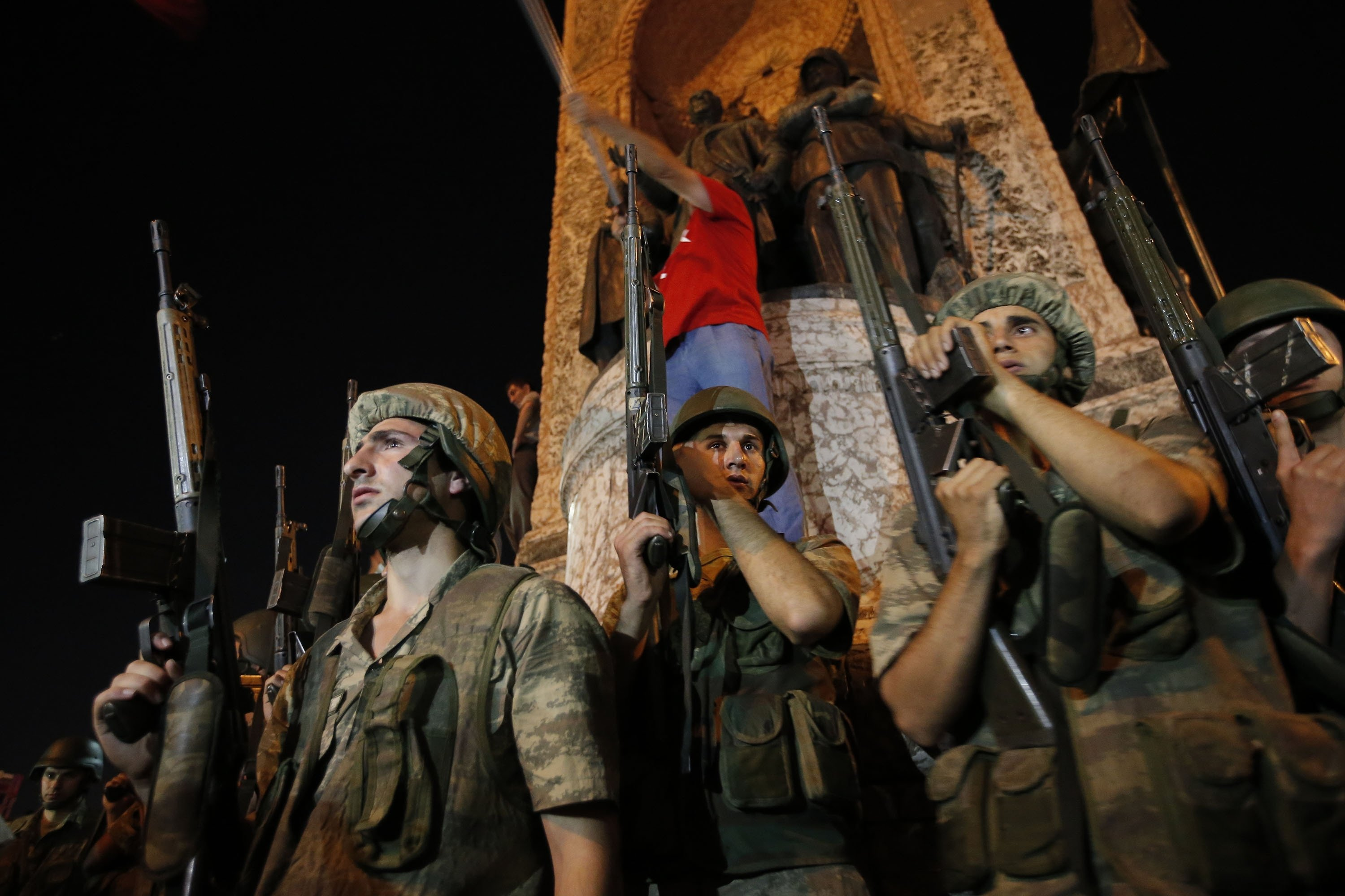 Turkish soldiers secure Istanbul's Taksim Square, as supporters of Turkey's President Recep Tayyip Erdoğan protest in Istanbul, Turkey, July 16, 2016. (AP Photo)