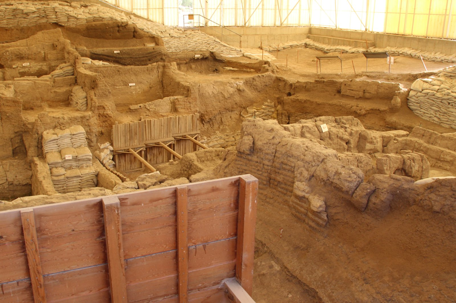A view from the newly excavated area in Çatalhöyük, Konya, central Turkey. (AA Photo)