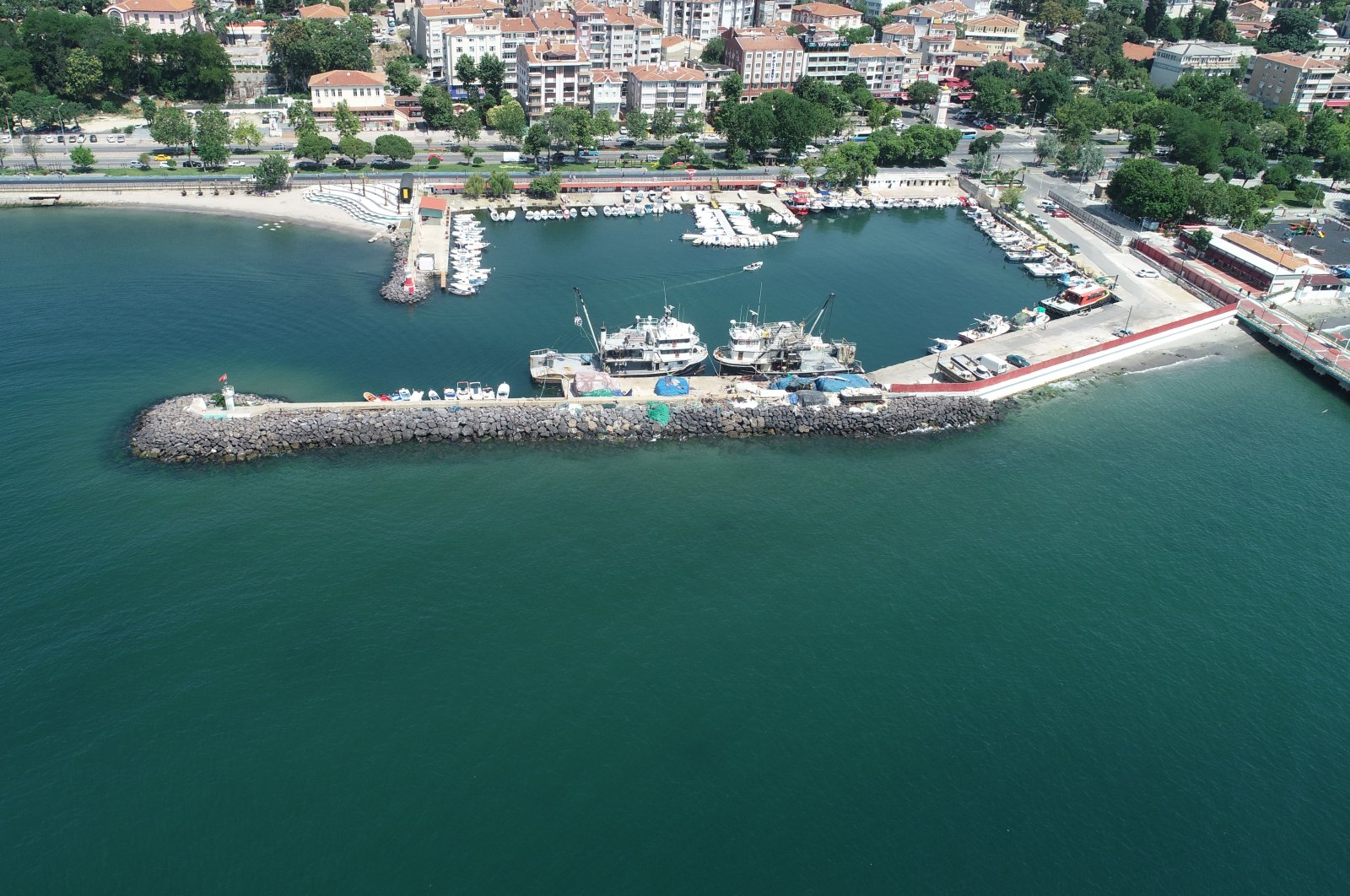 A general view of a harbor in Tekirdağ province after removal of sea snot from the surrounding area, Tekirdağ, Turkey, July 8, 2021. (AA Photo)