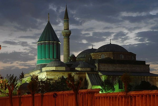 The Mevlana Museum, the tomb and shrine of 13th-century scholar and Sufi saint Mevlana Jalaluddin Rumi, Konya, Turkey, Dec. 17, 2009. (Anadolu Agency)